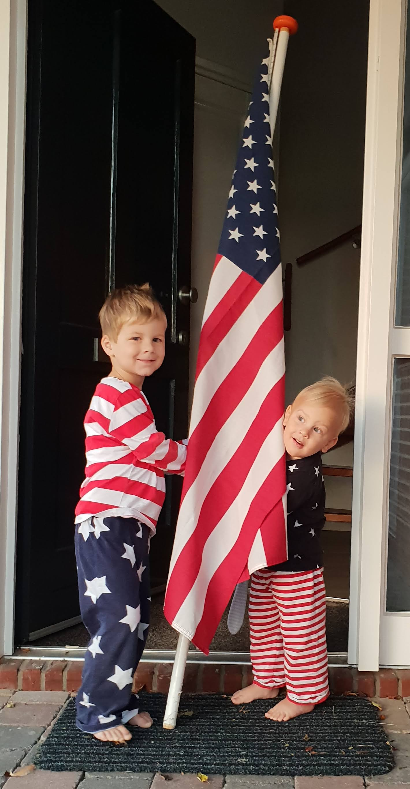 Kinderen met Amerikaanse vlag